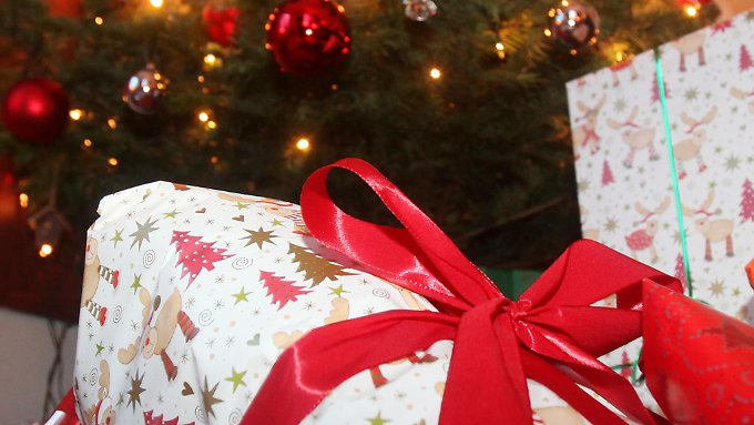 Wenn Kinder unterm Weihnachtsbaum nicht genau das bekommen, was sie sich gewünscht haben, ist die Enttäuschung groß.