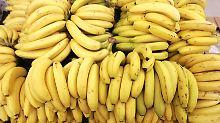 Eine reichhaltige Bananenernte soll der Mann versprochen haben.