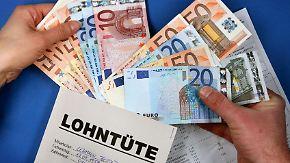 Trotz unsicherer Konjunkturaussichten: Experten fordern Lohnerhöhungen