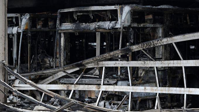 Feuer W Tet In Bottrop Dutzende Busse Zerst Rt N