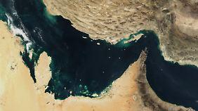 Der Persische Golf, die Straße von Hormus und der Golf von Oman in einer Satellitenaufnahme.