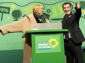 Die Bundesvorsitzenden Roth und Özdemir auf dem Grünen-Parteitag Ende November in Kiel.