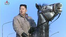 Omnipräsent: Kim Jong Un zu Pferde, ...