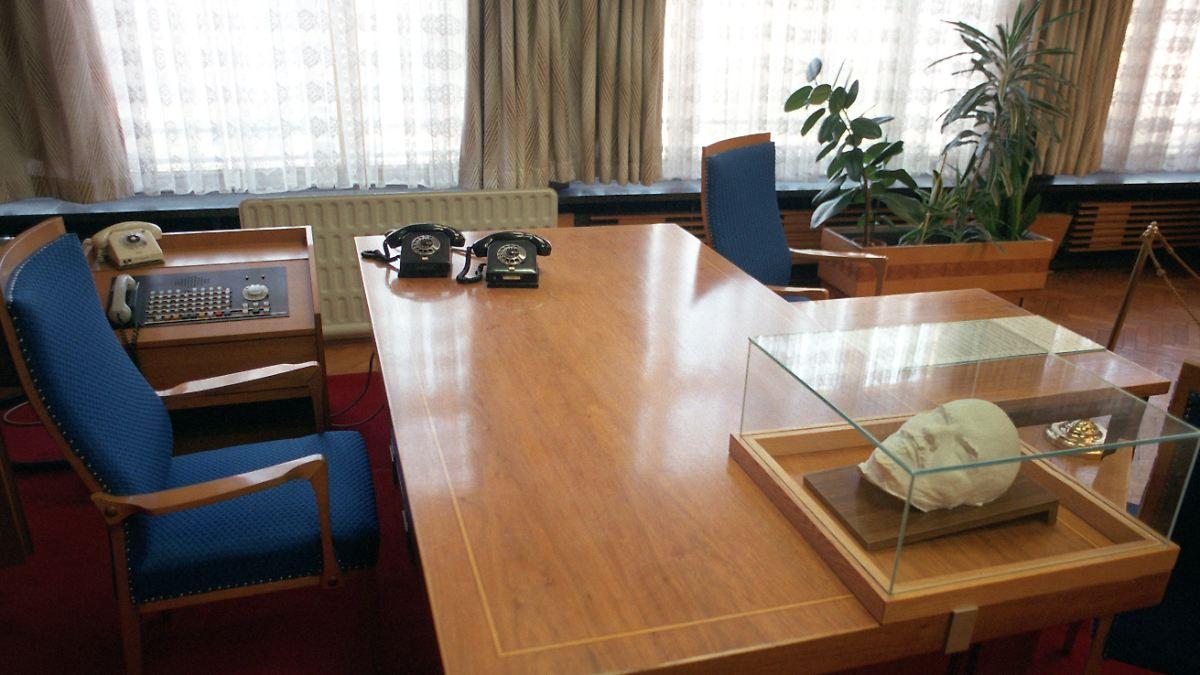 auch rentner k nnen steuern sparen arbeitszimmer im alter absetzen n. Black Bedroom Furniture Sets. Home Design Ideas