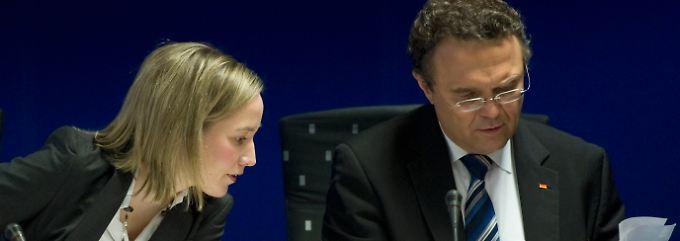Für die Regierung nahmen Familienministerin Schröder und Innenminister Friedrich an dem Treffen teil.