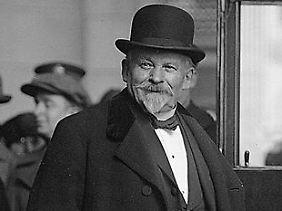 """Émile Coué (1857-1926) galt vielen als Wunderheiler. Doch er betonte immer wieder: """"Ich habe nie jemanden geheilt. Die Kraft, die Sie mir zuschreiben, müssen Sie bei sich selbst suchen!"""""""