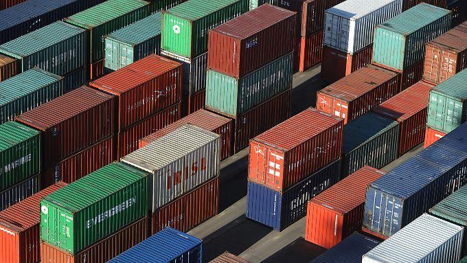 Die Reedereien wissen oft nicht, was sich in den versiegelten Containern wirklich befindet.