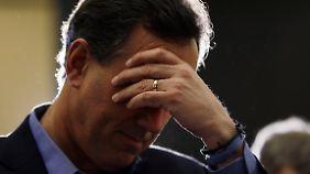 Im US-Wahlkampf wird viel gebetet. Hier sucht Rick Santorum Hilfe von oben.