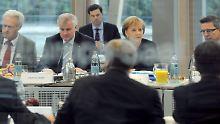 Der Delegationen von CDU, CSU und FDP verhandeln.