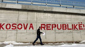 """Republik Kosovo"" - Graffito auf einer Mauer in Pristina."