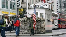 """Der """"Checkpoint Charlie"""" ist eher touristisch als ..."""