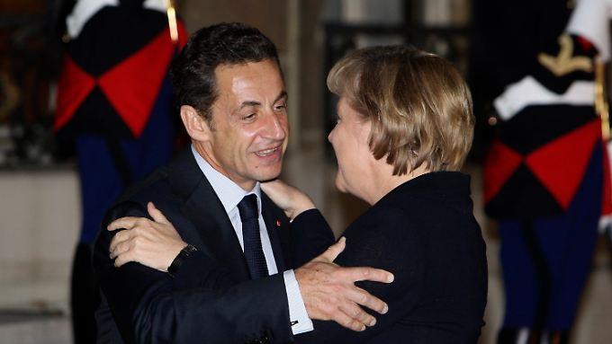 Schon nach ihrer erstmaligen Wahl zur Kanzlerin 2005 war Merkel zuerst nach Frankreich gereist.