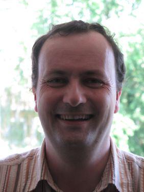Dr. Peter Mario Kreuter ist Historiker mit dem Schwerpunkt Südosteuropaforschung.