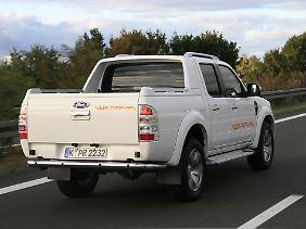 Lifestyle-Laster: Ein Bügel über der Ladefläche, Leichtmetallfelgen und Trittbretter machen den Ranger boulevardtauglich.