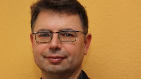 Prof. Dr. Jürgen Zimmerer lehrt afrikanische Geschichte an der Universität Hamburg. Er ist Präsident des International Network of Genocide Scholars.