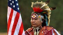 Ein Häuptling der Oglala Sioux, aufgenommen bei einem Stammestreffen im August 2010 in Pine Ridge, South Dakota.