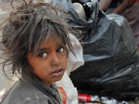 Millionen Inder leben in Armut.