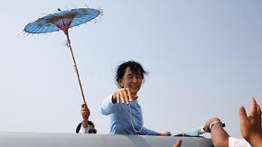 Ein Hauch von Demokratie in Birma: Suu Kyi stellt sich zur Wahl