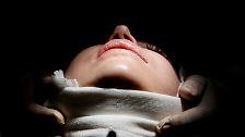 Brustvergrößerung, Fettabsaugung, Lidstraffung: Schönheitsoperationen