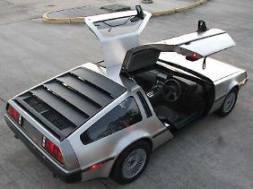 Die Flügeltüren lassen sich beim DMC-EV elektrisch heben und senken.