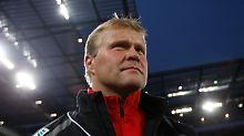 Frank Schaefer wurde als Retter geholt und will mit dem 1. FC Köln auch die Rettung schaffen.
