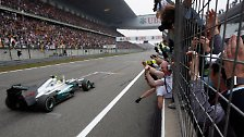 Sternstunde mit Schumacher-Fiasko: Rosberg bricht den Mercedes-Bann