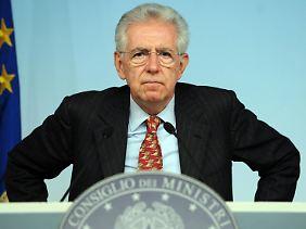 Für seinen Sparkurs bekommt Italiens Ministerpräsident Mario Monti immer mehr Gegenwind aus der Bevölkerung.