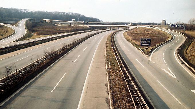 Gähnende Leere auf den Autobahnen: 1973 galt erstmals ein bundesweites Fahrverbot.