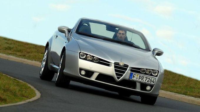 Von 1966 bis 2010 hat Alfa Romeo den Spider in sechs Generationen gebaut.