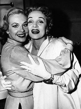 Marlene und Hilde - Freundinnen. (Bild von 1955)