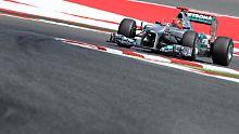 Michael Schumacher und sein Silberpfeil funktionierten in Barcelona bisher ordentlich.