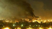 Bagdad in Flammen: Der Irak am 21. März 2003.
