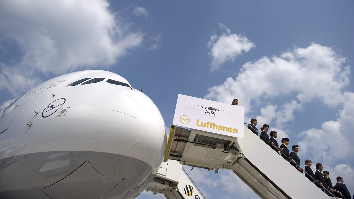 a380 auf den namen berlin getauft lufthansa will in tegel durchstarten n. Black Bedroom Furniture Sets. Home Design Ideas