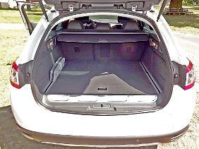 Durch den Elektromotor schrumpft der Kofferraum auf 400 Liter.