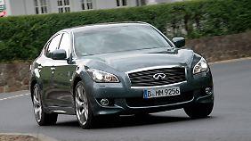 Infiniti bietet das Modell auch mit Benzin und Hybrid-Motor an.