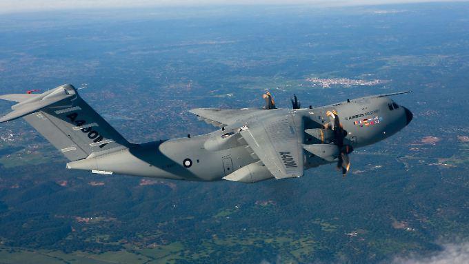 Fliegen kann er schon mal, aber das Prestige-Projekt A400M läuft aus dem Ruder.