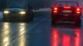 Autofahrer müssen ihre Geschwindigkeit dem Wetter anpassen.