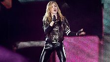Give Me All Your Luvin'!: Madonna provoziert mit viel Haut