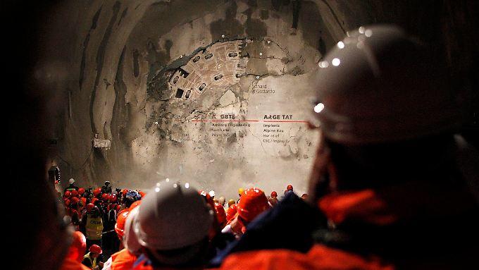 Vor zwei Jahren wurde die Röhre des parallel verlaufenden Eisenbahntunnels durchbrochen.
