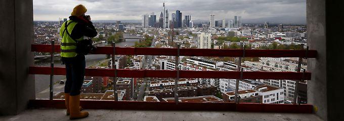 Europas Baustelle Nr. 1: Das Finanzzentrum Frankfurt vom EZB-Rohbau aus betrachtet.
