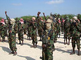 Die somalische Islamisten-Organisation Al-Shabaab will die Al-Kaida im Jemen unterstützen.
