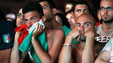 So viel Enttäuschung auf einmal: Mit jedem Tor der Spanier schwindet bei den italienischen Fans die Hoffnung.