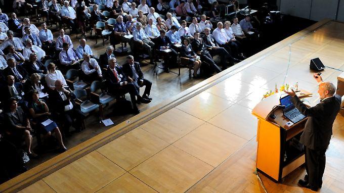Hans-Werner Sinn zieht seit Monaten durch das Land, um seine Sicht zur Eurokrise darzulegen.