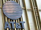 Auch von AT&T ließen sich die US-Behörden Handydaten liefern. Foto: Peter Foley/Archiv