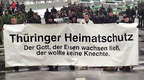Mit seinen Zahlungen an Brandt baut der Verfassungsschutz ungewollt den Thüringer Heimatschutz mit auf.