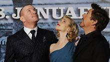 """Guy Ritchie (l-r), Rachel McAdams und Robert Downey Jr. bei der Premiere von """"Sherlock Holmes"""" in Berlin - der Überraschungserfolg für Time Warner"""