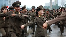 Nordkorea knows how to party: Kim lässt die Puppen tanzen
