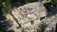 Satellit und Hubschrauber: Die Katastrophe aus der Luft