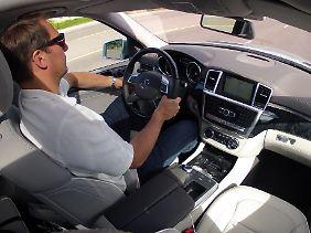 Komfortables Ambiente und viele Assistenzsysteme entlasten den Fahrer auf langen Strecken.