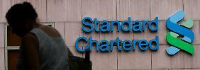 Die britische Großbank Standard Chartered soll jahrelang systematisch illegale Geschäfte mit dem Iran gemacht haben.